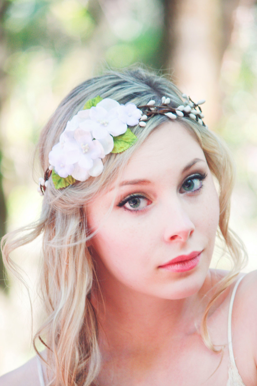 White Flower Hair Crown, Bridal Flower Headpiece, Flower Hair Wreath ...