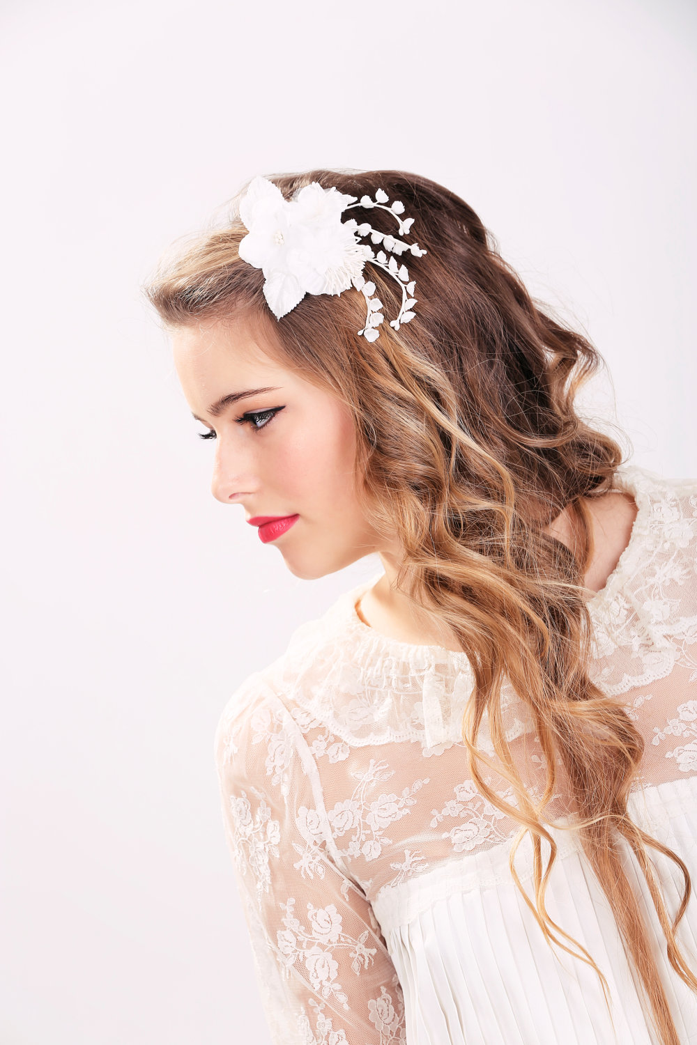 white bridal flower clip, wedding hair accessories, wedding flower